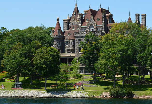 Castles of the Thousand Islands